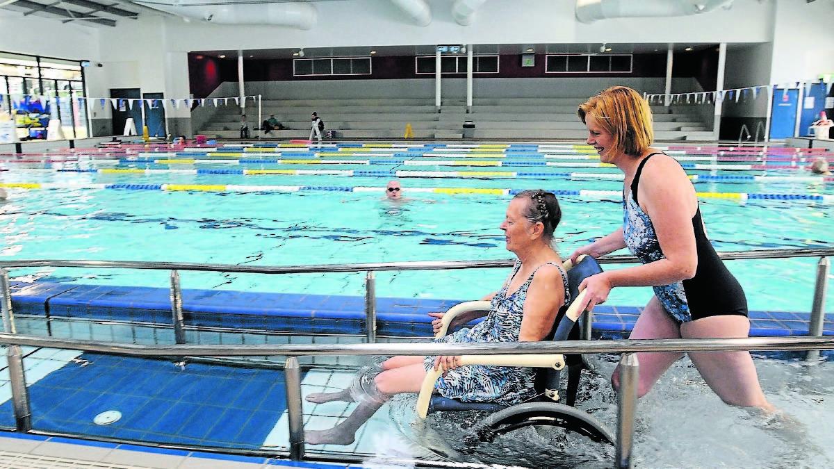 Zwembad met sporthal handhaven